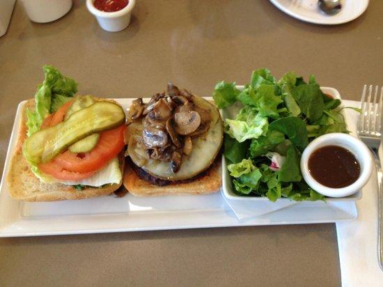 Harold's Bistro & Bar :                   Harold's Specialty Burger