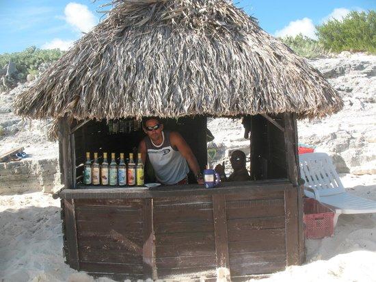 Hotel Ole Playa Blanca:                                     Beach bartender, Accua!