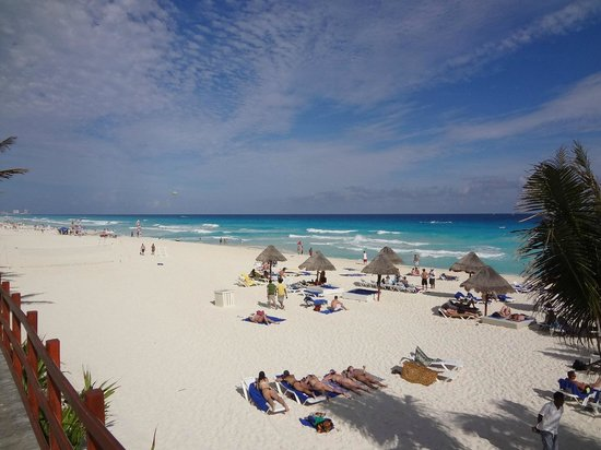 Grand Oasis Cancun:                   Praia