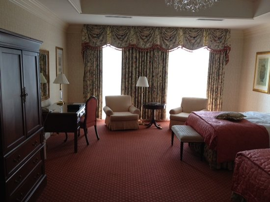 Nemacolin Woodlands Resort:                                     Large, beautifully decorated rooms