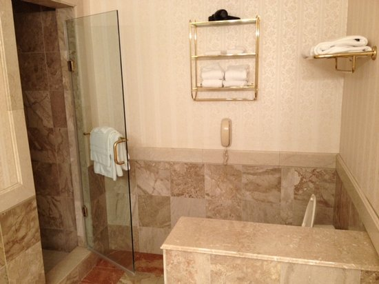 Nemacolin Woodlands Resort & Spa:                                     Walk in shower