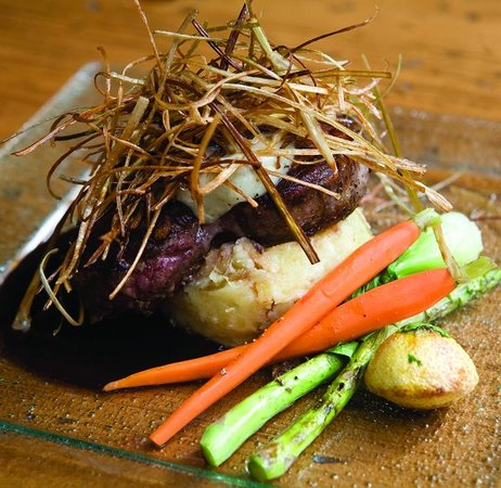 Cathedral Mountain Lodge: Chef's feature
