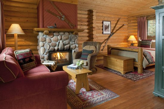 Cathedral Mountain Lodge: Premier Cabin
