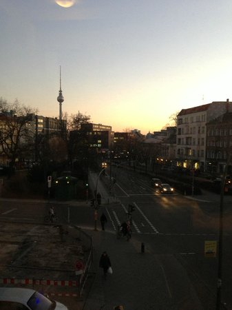 MEININGER Hotel Berlin Alexanderplatz:                   View from corner room