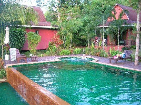 Krabi Fineday Resort: schöner, kleiner Pool