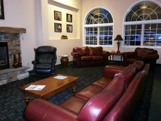 Quality Inn at Quechee Gorge:                   Lobby