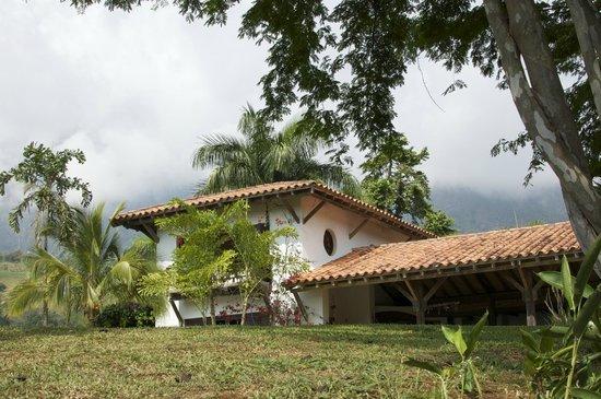 Casa Estudio Su Casa Colombia:                                     La Finca