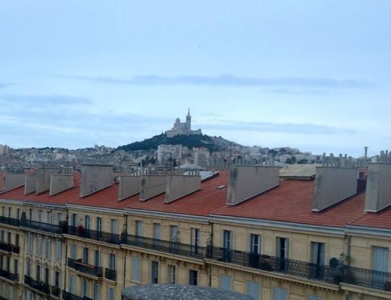 Ibis Marseille Centre Vieux Port:                   vue de la bonne mer depuis la chambre 77