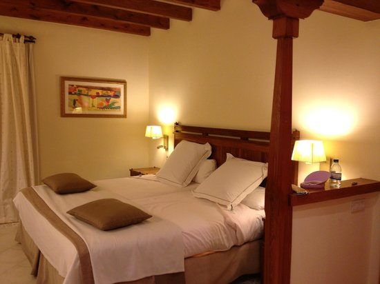 Princesa Yaiza Suite Hotel Resort:                   Comfy Bed