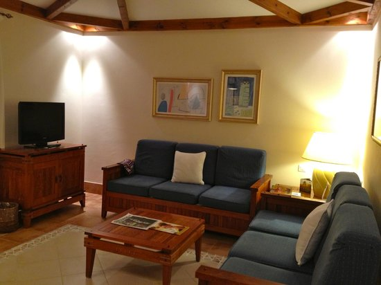 Princesa Yaiza Suite Hotel Resort:                   Sitting room