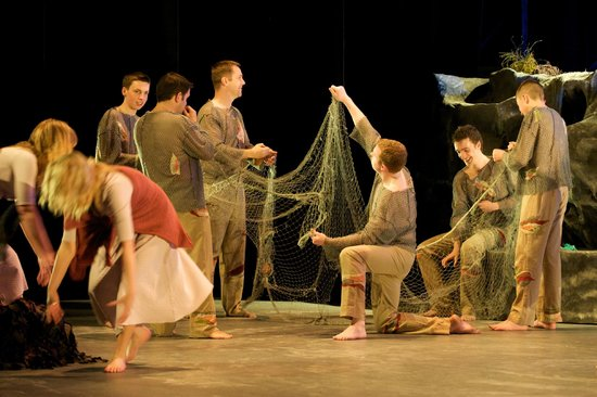 Siamsa Tire National Folk Theatre : A scene from Oileán - Celebrating the Blasket Islands by the National Folk Theatre of Ireland