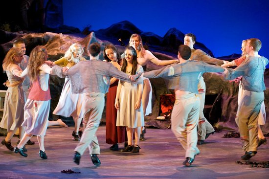 Tralee, Irland: A scene from Oileán - Celebrating the Blasket Islands by the National Folk Theatre of Ireland