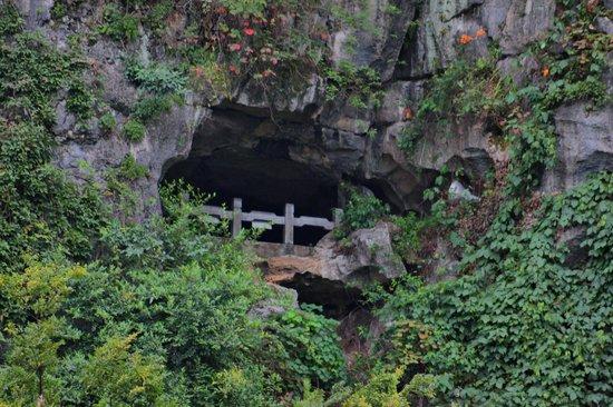 Liu Sanjie Landscape Garden of Guilin:                   senderos en la montala del elefante