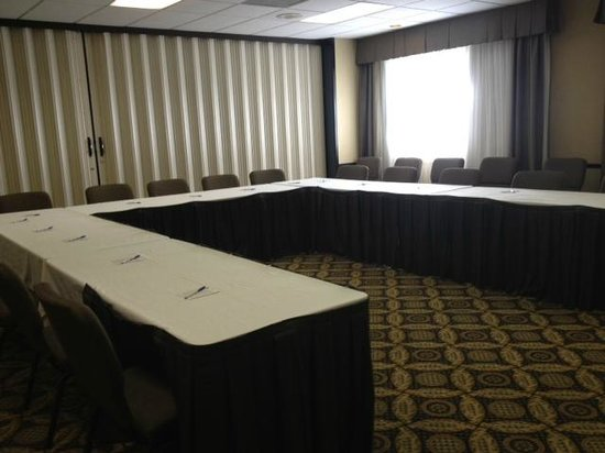 BEST WESTERN PLUS CottonTree Inn: The Oak meeting rooom is perfect for meetings of 15-25 people.