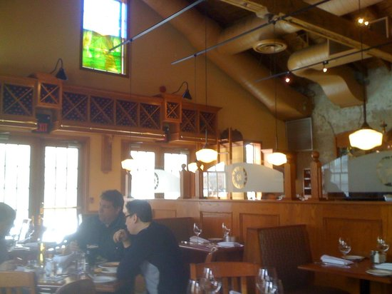 Sole Restaurant and Wine Bar: Noisy, but not busy