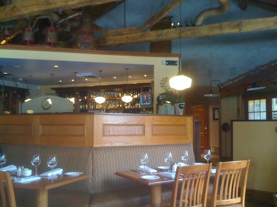 Sole Restaurant and Wine Bar: View of the bar