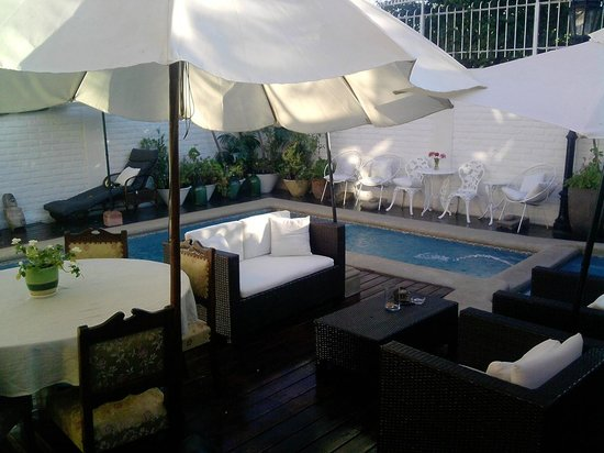Hotel Boutique Vendimia Premium:                   Piscina desde el comedor