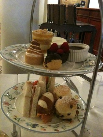 Lilianfels Blue Mountains Resort & Spa:                   high tea
