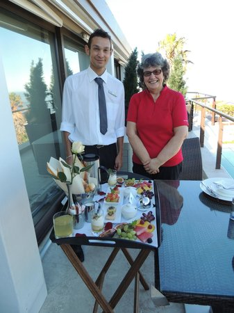 Atlanticview Cape Town Boutique Hotel:                                     Breakfast on the patio