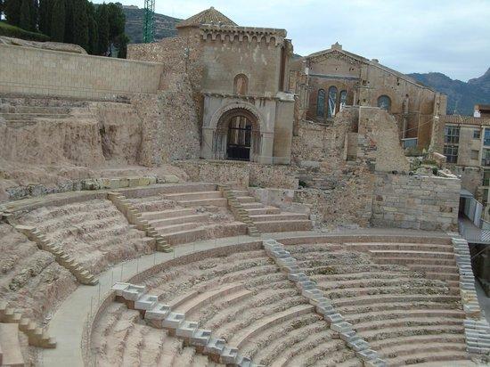 Teatro Romano:                   Amphitheatre Cartagena