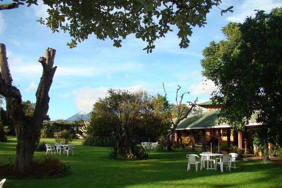 Hotel Posada de Don Rodrigo Panajachel: Garden