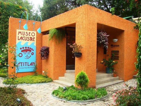 Hotel Posada de Don Rodrigo Panajachel: Museum