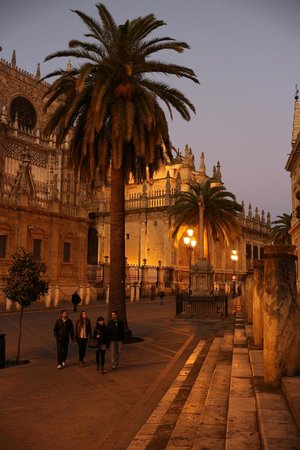 Sights of Sevilla are an easy walk from Hotel Becquer