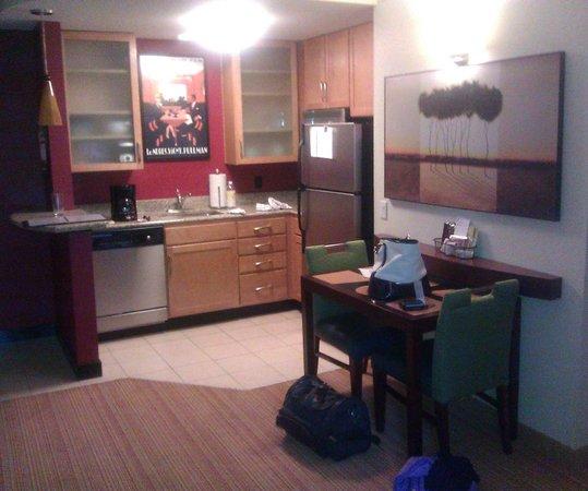 Residence Inn Gainesville I-75 : Kitchen