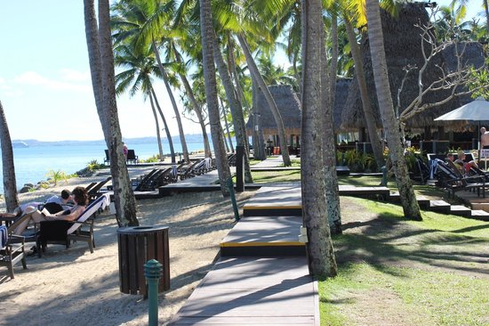 The Westin Denarau Island Resort & Spa Fiji:                   Sun lounges along beachfront
