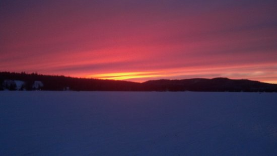 Tall Timber Lodge:                   Back Lake Winter Sunset!