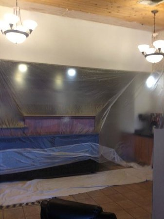 Baymont Inn & Suites Tri-Cities/Kennewick WA:                   front desk totally taped over
