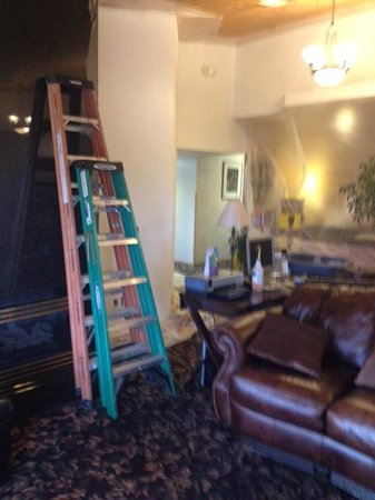 Baymont Inn & Suites Tri-Cities/Kennewick WA :                   More ladders
