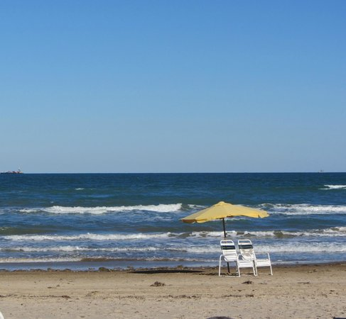 La Copa Inn Beach Hotel:                   Beautiful beaches