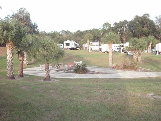 Seasons in the Sun RV Resort: center park