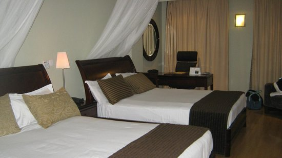 Four Points by Sheraton Arusha, The Arusha Hotel:                                     chalbre plus bureau