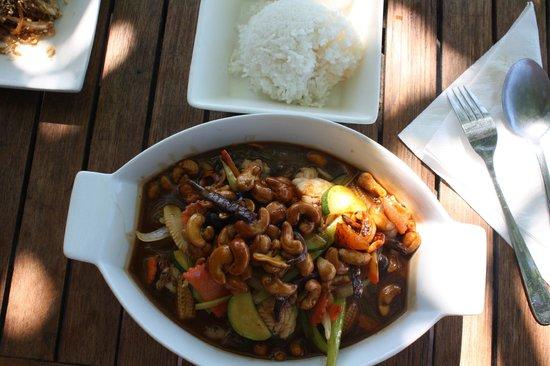 Tong's Thai Island Cuisine: Chow Mein aux queues de langoustes