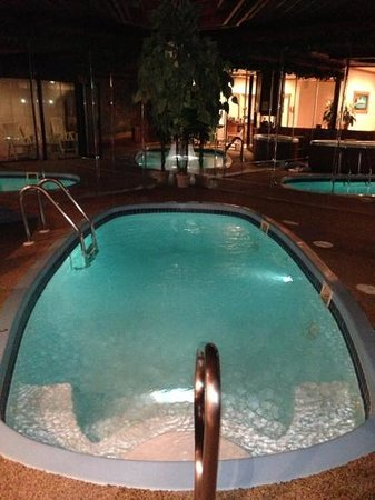 Sybaris Mequon:                   relax and enjoy!!