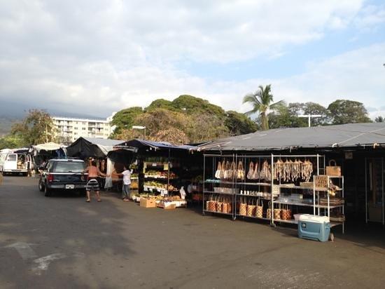 Kona Farmers Market:                   tent area farmers market!