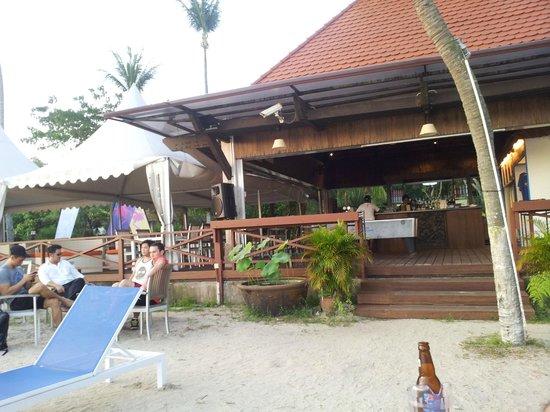 Bora Bora Beach Bar - Palawan Beach :                   Bora Bora Beach Bar viewed from the beach
