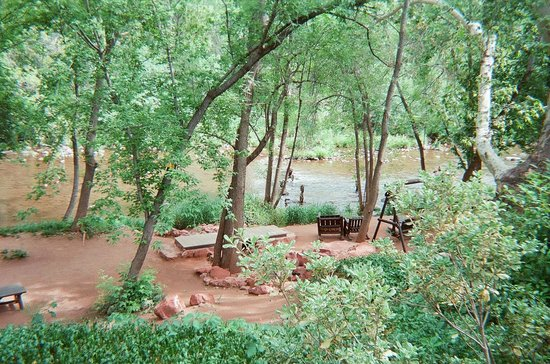 L'Auberge de Sedona: we loved listening to the sounds of the creek from our room