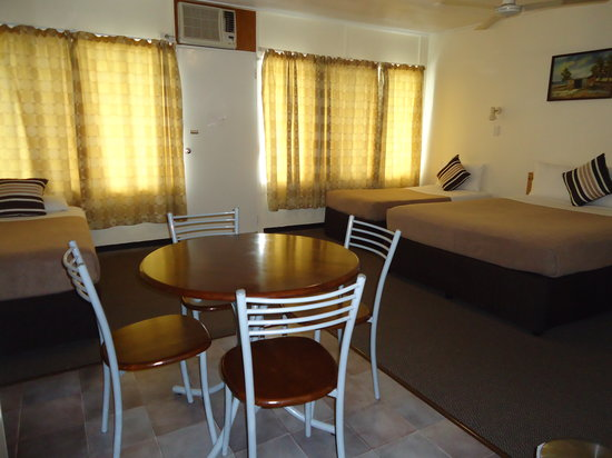 Moondarra Motel Innisfail: Family Room