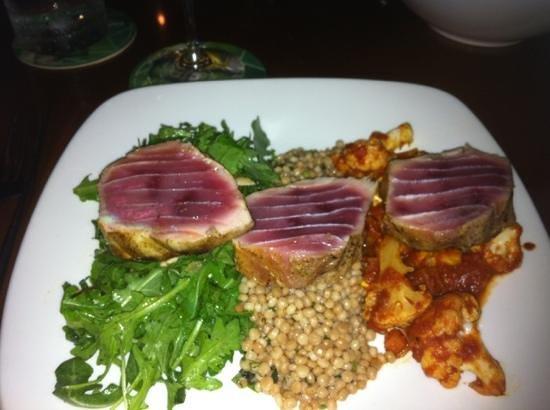 Grande Cru Restaurant and Wine Bar : Grilled tuna