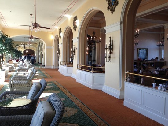 Hotel Galvez & Spa, A Wyndham Grand Hotel: hall and dining