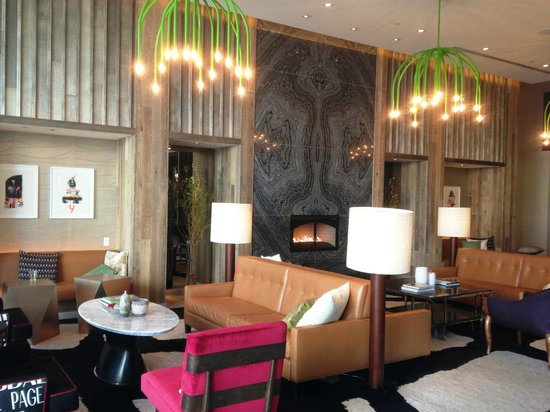 Hotel Palomar Phoenix - a Kimpton Hotel : 2nd floor lobby outside restaurant -- emergency coffee in the morning!