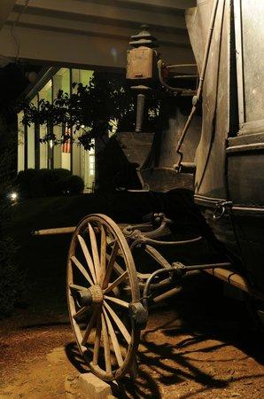Historic General Lewis Inn: Night at the Inn