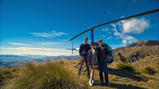 Wanaka Helicopters:                   Group photo