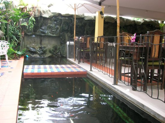 Chang Thai House:                   Breakfast close to the water and Kois