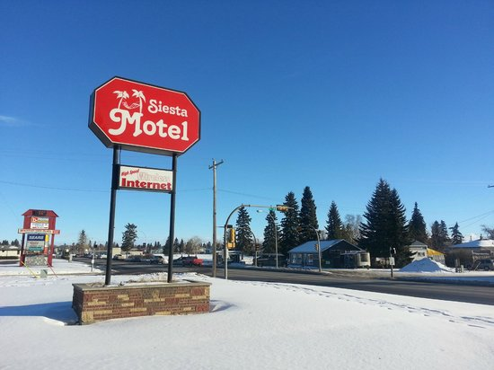 Siesta Motel: 5218 46 St. (Highway 27) Olds Alberta