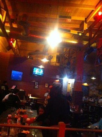 El Papalote Taco & Grill Aeropuerto :                   cenar en el granero