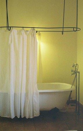 อนามันดาราวิลล่าดาลัด รีสอร์ทแอนด์สปา:                   Bathtub